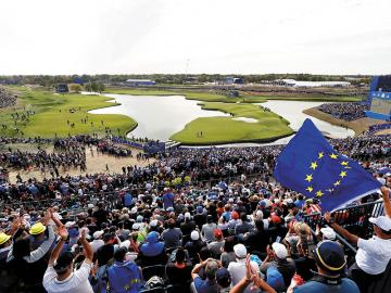 In full swing: Golf, euphoria and entertainment