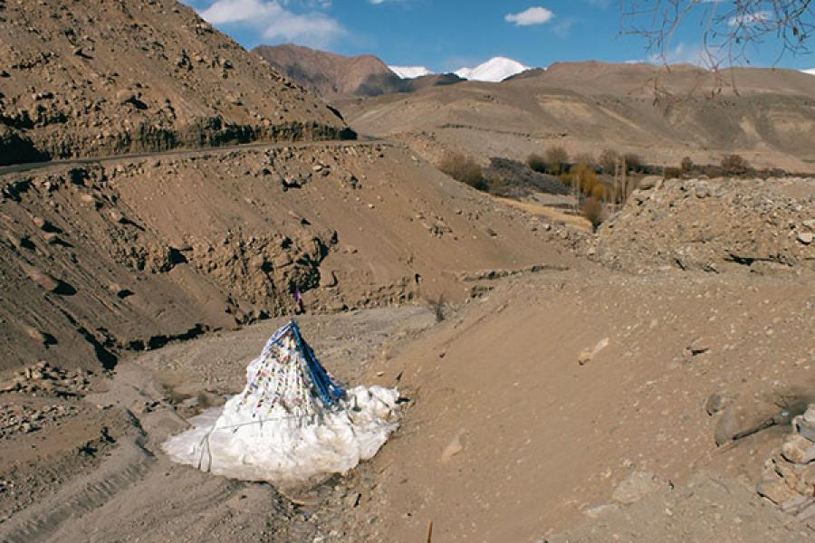 Ice Stupas: Conserving water the 3 Idiots way