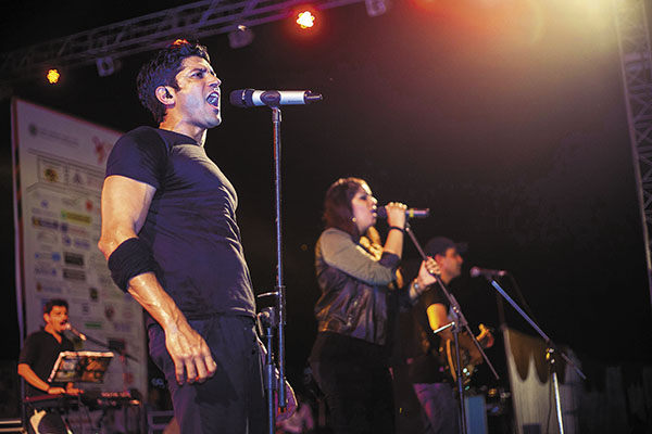 Making music and a difference: Farhan Akhtar performs at IIT-Roorkee with his band