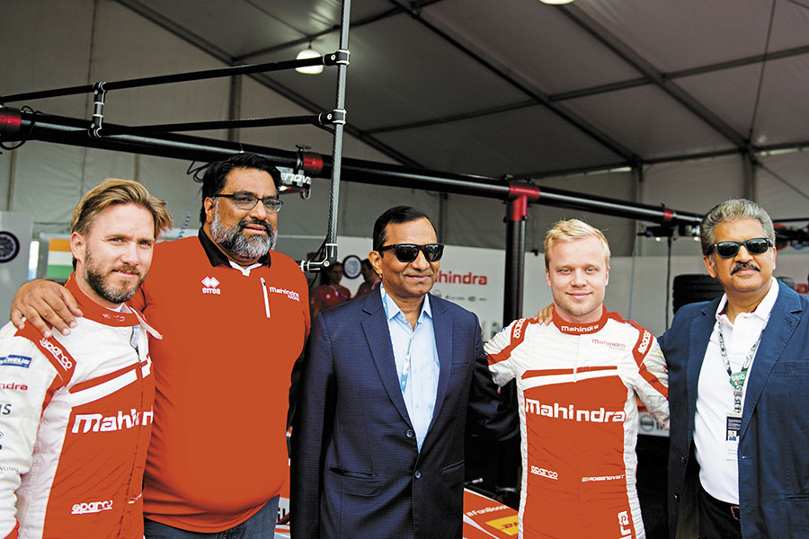 mg_98515_mahindra_racing_team_280x210.jpg