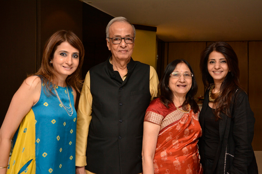 photo 2 - hargovind  and  indira vithalani with their daughters jalpa  and  toral900 x 600px